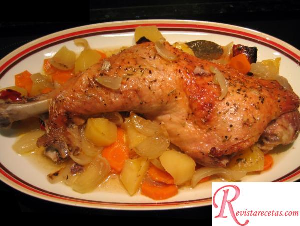 Pata de pavo al horno con verduras